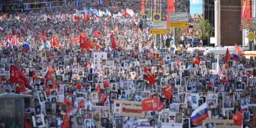 Более 700 тысяч человек участвовали в Москве в шествии «Бессмертный полк»